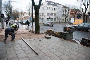 A. Mickevičiaus gatvės rekonstrukcija beveik baigta: persodinami medžiai