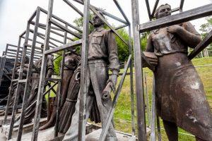 Koks bus sovietinių Žaliojo tilto skulptūrų likimas?