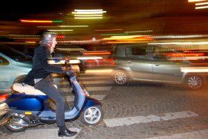 Avariją sukėlęs motorolerio vairuotojas teismo išvengė