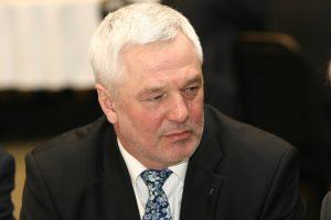 Prokuroras V. Matuzui siūlo skirti įkalinimą ir baudą
