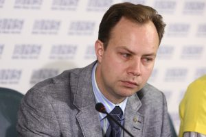 Visuomenės palaikymą prarado trys ministrai