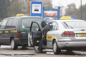 Įtariami taksisto skriaudėjai Jonavoje sulaikyti akimirksniu