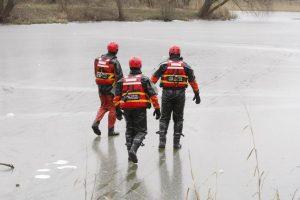 Kauno mariose į ledo pinkles pateko žvejai