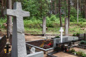 Petrašiūnų kapinėse tamsu, bet atsakingų nėra?