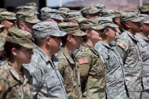 Pentagonas: JAV atsiųs dar beveik 4 tūkst. karių prie Meksikos sienos