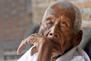 Būdamas 146-erių mirė Indonezijoje seniausiu laikytas vyras
