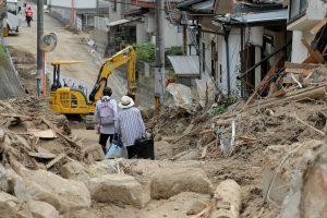 Japonijoje potvynių ir nuošliaužų aukų padaugėjo iki 199