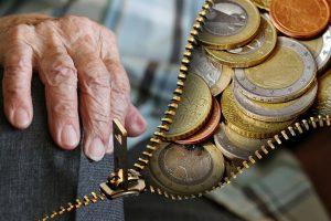 Pensijų reformos grimasos: dirbantieji praras milijardus eurų