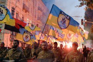 """""""Pravyj sektor"""": kariaujame dviem frontais"""