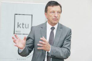 Kas laikinai keičia P. Baršauską? (rengiamasi naujo rektoriaus rinkimams)