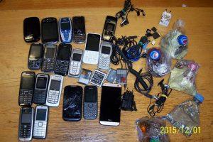 Sulaikytas vyras, į Pravieniškes bandęs permesti per 30 telefonų