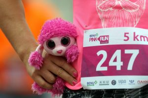 Rožinė minia bėgo dėl kilnaus tikslo