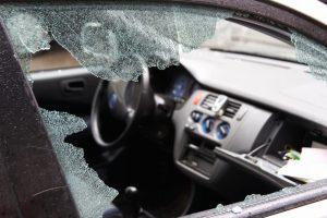 Kauno rajone į avariją pateko karys ir policijos pareigūnė