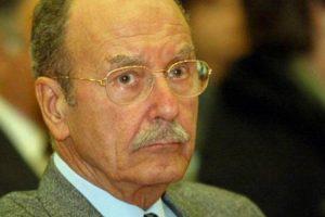 Nuo plaučių uždegimo ligoninėje mirė buvęs Graikijos prezidentas