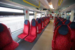Ignalinoje traukinio durys prispaudė keleivę