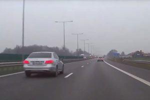 Daugiau nei 70 km/val. greitį viršijęs vairuotojas: norėjau grįžti iki sutemstant