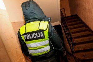 Teismui perduota prieš sulaikytąjį smurtavusių pareigūnų byla