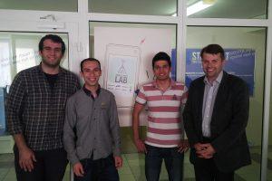 Užsienio studentai mobilias aplikacijas mokosi kurti Lietuvoje