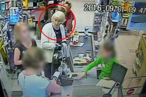 Garbaus amžiaus klaipėdietė pavogė telefoną