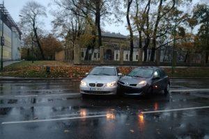 """Naujojo Sodo gatvėje – BMW susidūrė su """"Renault"""""""