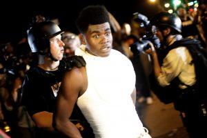 JAV policija nušovė vyrą netoli protestų apimto miesto