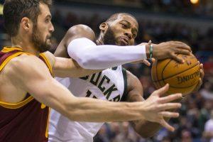 NBA arenose – favoritų kluptelėjimai
