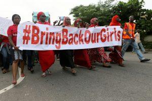 Nigerijoje į kalinius išmainytos 82 buvusios pagrobtos moksleivės
