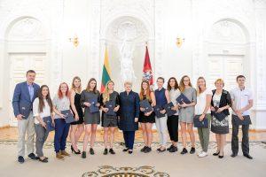 D. Grybauskaitė apdovanojo Kurčiųjų olimpinių žaidynių dalyvius