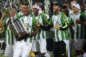 """Kolumbijos futbolo klubas antrą kartą tapo """"Copa Libertadores"""" nugalėtoju"""