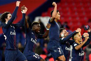 """PSG ir """"Monaco"""" mažina atsilikimą nuo Nicos futbolininkų"""
