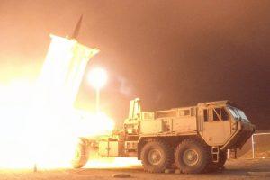 JAV sėkmingai išbandė raketų perėmimo sistemą