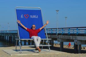 Krėslas – norintiesiems įsiamžinti jūros ir tilto fone