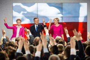 Lenkijos prezidento rinkimų pirmąjį turą laimėjo opozicijos kandidatas A. Duda