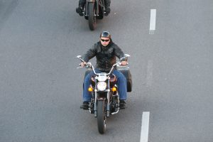 Kelyje atsakingai elgtis reikia ir dviračių transporto priemonių vairuotojams