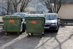 Atliekas rūšiuoja ne visi gyventojai