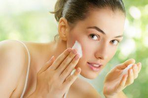 Odos gydytoja: mitas, kad reikia susitaikyti su problemine oda