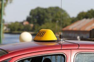Taksistui prie kaklo – peilis