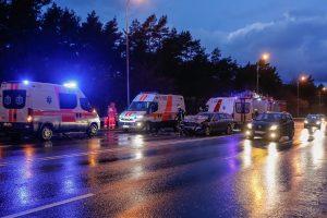 Panevėžio rajone susidūrė trys automobiliai, tarp sužeistųjų – vaikas