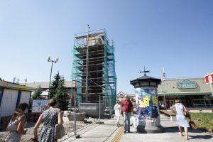 Prie Naujojo turgaus iškilo laikrodžio bokštas