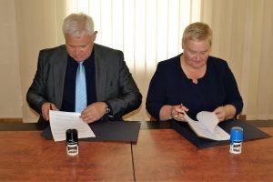 Meras pasirašė bendradarbiavimo sutartį