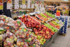 Kūčių stalui lietuviai vis dažniau renkasi ekologiškus žieminius obuolius