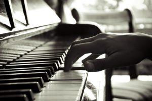 Jauniesiems muzikos atlikėjams – atviros meistriškumo pamokos