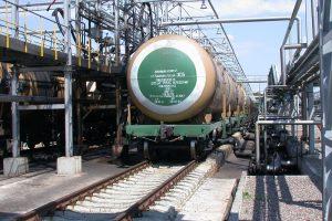 Uoste statys naują naftos produktų estakadą