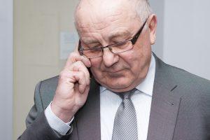 Teismas svarsto, ar galima nagrinėti buvusio viceministro S. Šriūbėno bylą