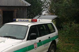 Tragedija Garliavoje: apgirtęs vaikinas nužudė kaimynę, subadė jos sugyventinį