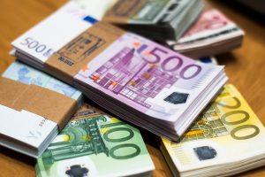 Bankų pelnas pirmąjį ketvirtį padidėjo 7,5 proc.