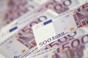 Bankuose stabiliai didėja gyventojų ir įmonių indėliai
