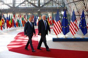 D. Trumpas pradėjo susitikimą su ES lyderiais