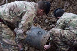 Londone rasta karo laikų bomba (evakuoti aplinkiniai pastatai)