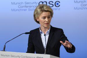 Vokietijos gynybos ministrė: Lietuva nusipelno mūsų apsaugos
